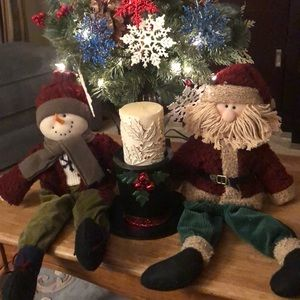 🎄Candle on a metal Pillar Holder w/ decorations